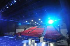 劇場内02